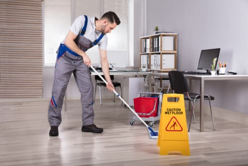 What mistakes to avoid during office cleaning